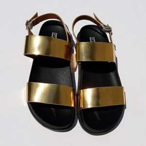 CAPE ROBBIN Gold & Black Gladiator Sandals
